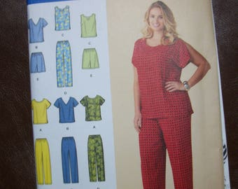 Simplicity 1446 Womens (Size 26W-32W) tops. pants or shorts.  6 made easy