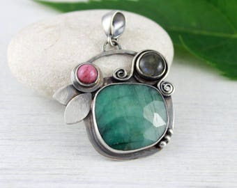Emerald pendant, florist pendant, nature inspired, nature lover gift, silver pendant, emerald jewelry, labradorite, rhodonite,floral jewelry