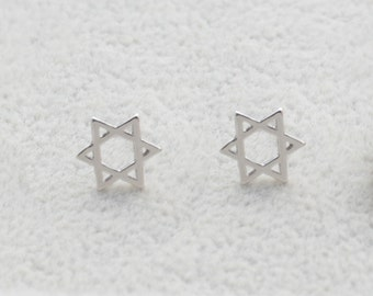 Pair of Star of David Stud Earrings in Sterling Silver Simplistic Design e23