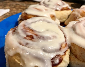 Homemade Fresh Baked Cinnamon Rolls ~ Choice of icing flavor~ Soy Free ~ No Preservatives~ Fast shipping