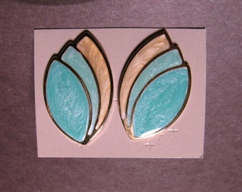1990 Avon Summer Pastels Pierced Earrings NIB