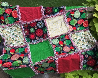 READY TO SHIP Christmas quilt - Christmas rag quilt - Christmas throw - Christmas blanket - Christmas decor - Christmas decoration #Q109