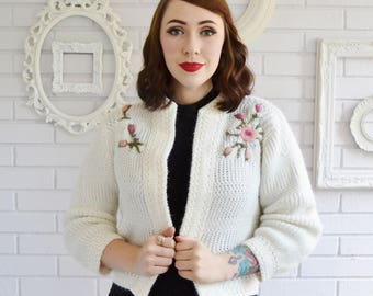 Vintage 1950s Cream Acrylic Open Front Cardigan with Floral Embroidery by Alberic Size Small or Medium