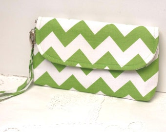 Green chevron clutch with detachable wristlet strap