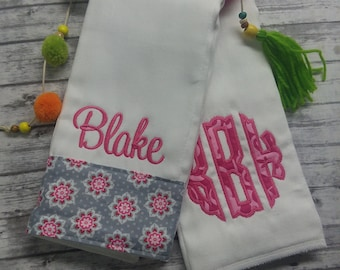 Girl burp cloth set, personalized burp rag set, monogrammed burp cloth, girl baby gift, baby shower gift, girl burp pad