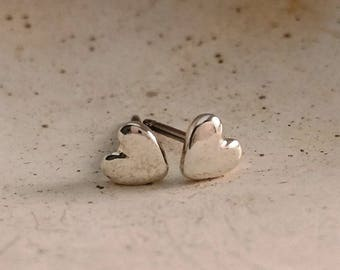 Dainty heart earrings, Sterling silver dainty heart stud earrings, Dainty earrings, Mini earrings, Handmade, Earrings #153.A