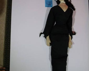 "1990's Fao/Swartz Exclusive: Morticia Addams ""Addam's Family""Giant Doll"
