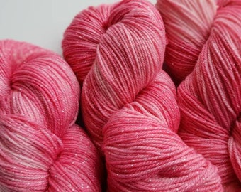 Cupcake Sparkle Frosting 100g Sock Weight yarn