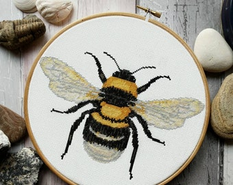 Bee Cross Stitch Pattern PDF - Modern Cross Stitch Sampler - Instant Download