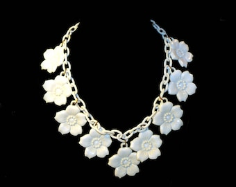 Vintage 1930s Creamy White Celluloid Link Dogwood Flower Necklace