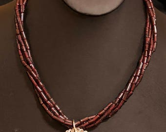 Garnets and silver necklace with magnetic clasp