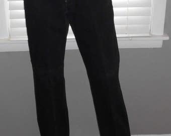 Vintage 90's Levis Black 501 Button Fly High Waisted Jean - 33 x 34