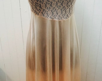 Vintage 1960s/1970s Baby Pink Lace Top Long Avon Nightgown- XS