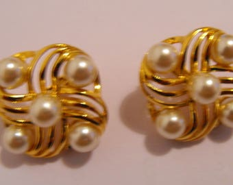 Vintage signed Napier Pair of Costume Jewelry Faux Pearl and Goldtone Earrings - 25mm square.