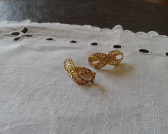 SALE Infinity jewelry 14k infinity solid gold lace filigree hinged latch post vintage 80s earring wedding birthday jewelry July 4th gift