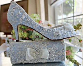 Something Blue Wedding Shoes and Cluth Bag. Vintage Lace Bridal Shoes .. Something Blue Bridal Shoes .  Blue Wedding Clutch .