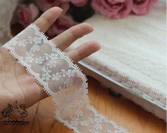 2.2 metres clover lace 4cm ref 1714 off white CHANTILLY lace