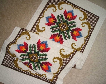 Vintage Beautiful Scandinavian Swedish Folk Art Hand Crafted/Embroidery, Cross stitch/Weawing Table Runner/Wall Art..Mint