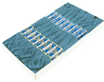 24 Docking Embroidery/Stick twist #5862 taupe Blue