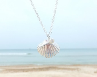 Shell necklace, clam shell necklace, silver shell jewellery, sea shell necklace, beach jewelry, nautical jewellery  , sea shell pendent