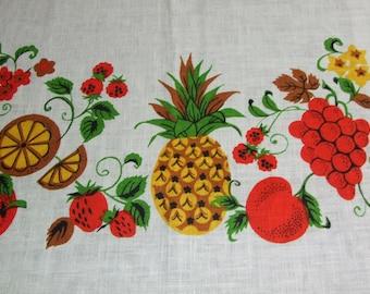 Gorgeous Polish Cottage Chic Fruits Linen Tablecloth / Polish Beautiful Vintage c.1990's Linen Dreamy Fruits Print Linen Tablecloth