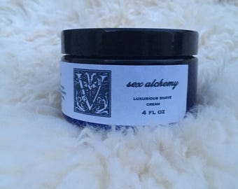 velvelt luxurious shaving cream | moisturize | repair | smooth | peppermint