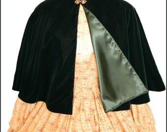 1800's Civil War Victorian Green Velvet Cape Cloak Beautiful