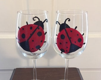 Ladybug Wine Glasses,White Wine Glasses,Hand Painted Wine Glasses,Ladybug Art,Ladybug Glassware,Housewarming Gift,Wedding Gift,Ladybug Gift