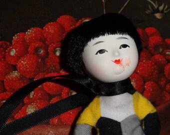 Kafka Tamura and feast of strawberries (brooch)