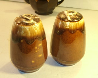 Vintage 1960's Brown Drip Glaze Salt And Pepper Shakers Pair Set Large Ceramic Pottery Stoneware Cork Stopper Plug Spice Shaker Container