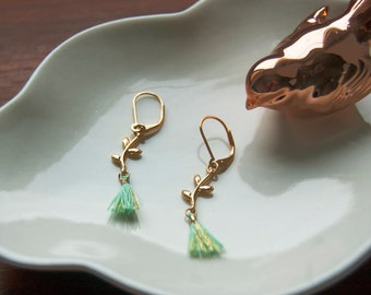 LEAF * p plated earrings with gold pendant green and pastel green tassel / Collection travel bucolic