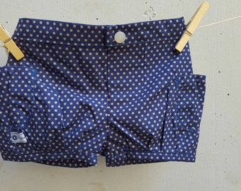 Bubble shorts in size 00