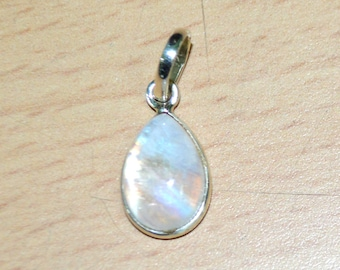 Moonstone Gemstone Silver Pendant - Rainbow Moonstone Gift pendant, Everyday Necklace, Genuine Gemstone Pendant Jewelry, Moonstone Jewelry