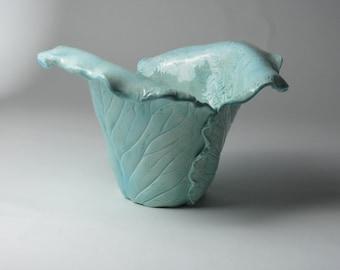 two leaf ceramic cache-pot