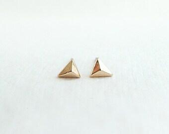 Tiny gold pyramid earrings, silver triangle studs, small geometric earrings, fashion stud earrings, triangle studs, minimalistic earrings