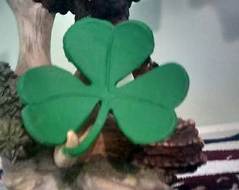 Leather shamrock hair Barrett, hand carved and painted