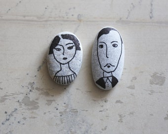 Husband and Wife - Couple Portrait - Handpainted Decorative Pebbles - Hand-drawn Couple on Sea Rocks - Pebble Art