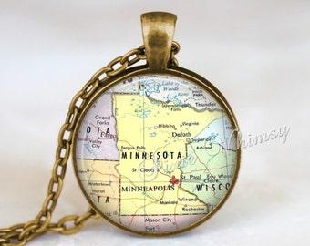 MINNESOTA MAP Necklace, Minnesota Pendant, Minnesota Map Pendant, Minnesota Keychain, Minnesota Necklace, Minnesota Jewelry, Minnesota Map