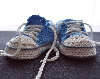 crocheted Baby shoes Converse chucks-style