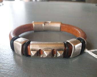 Natural thick leather strap.  silver plated. men's bracelet