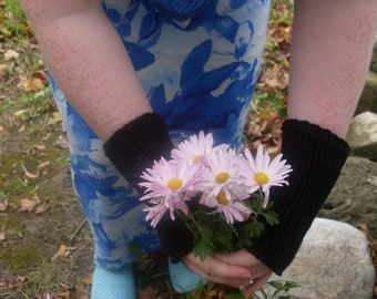 Fingerless gloves black hand knit warm one size fits most