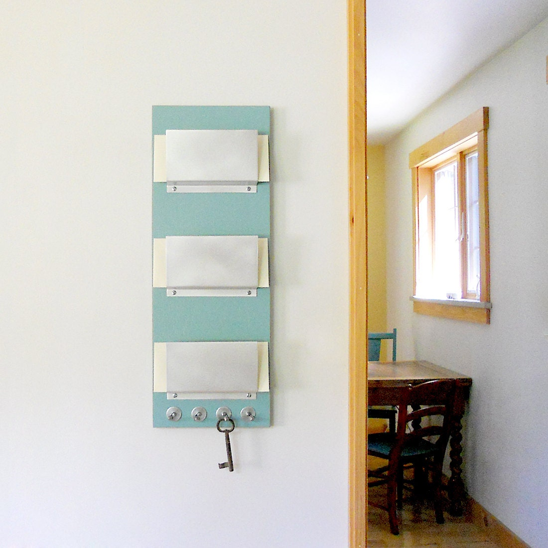TRIPLE MAIL HOLDER: Wall Mount Family 3 Slot Mail Organizer