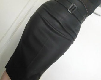 High waisted black leather look pencil skirt with detachable belt.