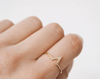 Simple stacking ring, gold ring, v ring, stacking ring, simple ring, minimalist jewelry, R078