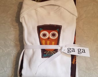 Owl L/S cotton Onesie and burp cloth.
