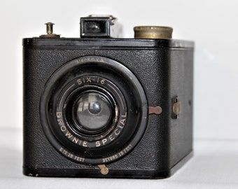 Brownie Special Vintage Camera - 1940's