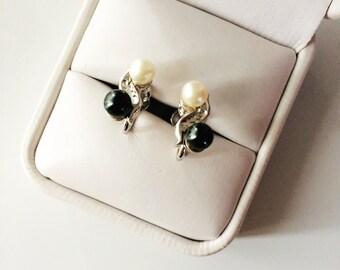 Cultured Pearl Earrings // Sterling Silver Marvel Clip On Earrings  // Mid Century Jewelry