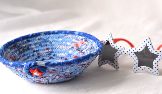 Memorial Day Decoration, Handmade Red White and Blue Party Bowl, Toothpick Bowl, Picnic Fabric Basket, Gift Basket, Patriotic Decoration