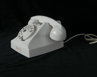 Ericsson type 1951 desk Phone Dutch Telecom in white (phenolic) 1950's