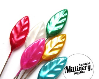 Set of 30 Vintage Inspired Leaf Pins